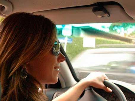 Preço do seguro auto para mulher está com preço semelhante ao do homem