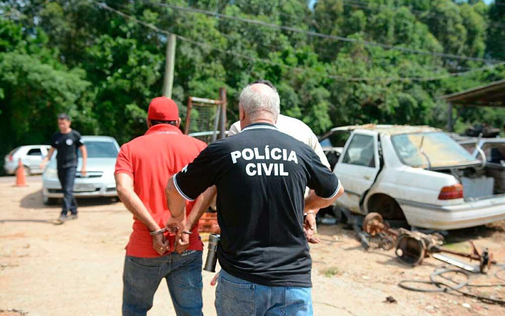 Detran realiza mega operação contra desmanche de veículos